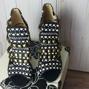 Not Rated black white shoes size 8